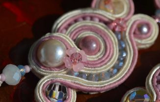 Roze Kristal in Soutache