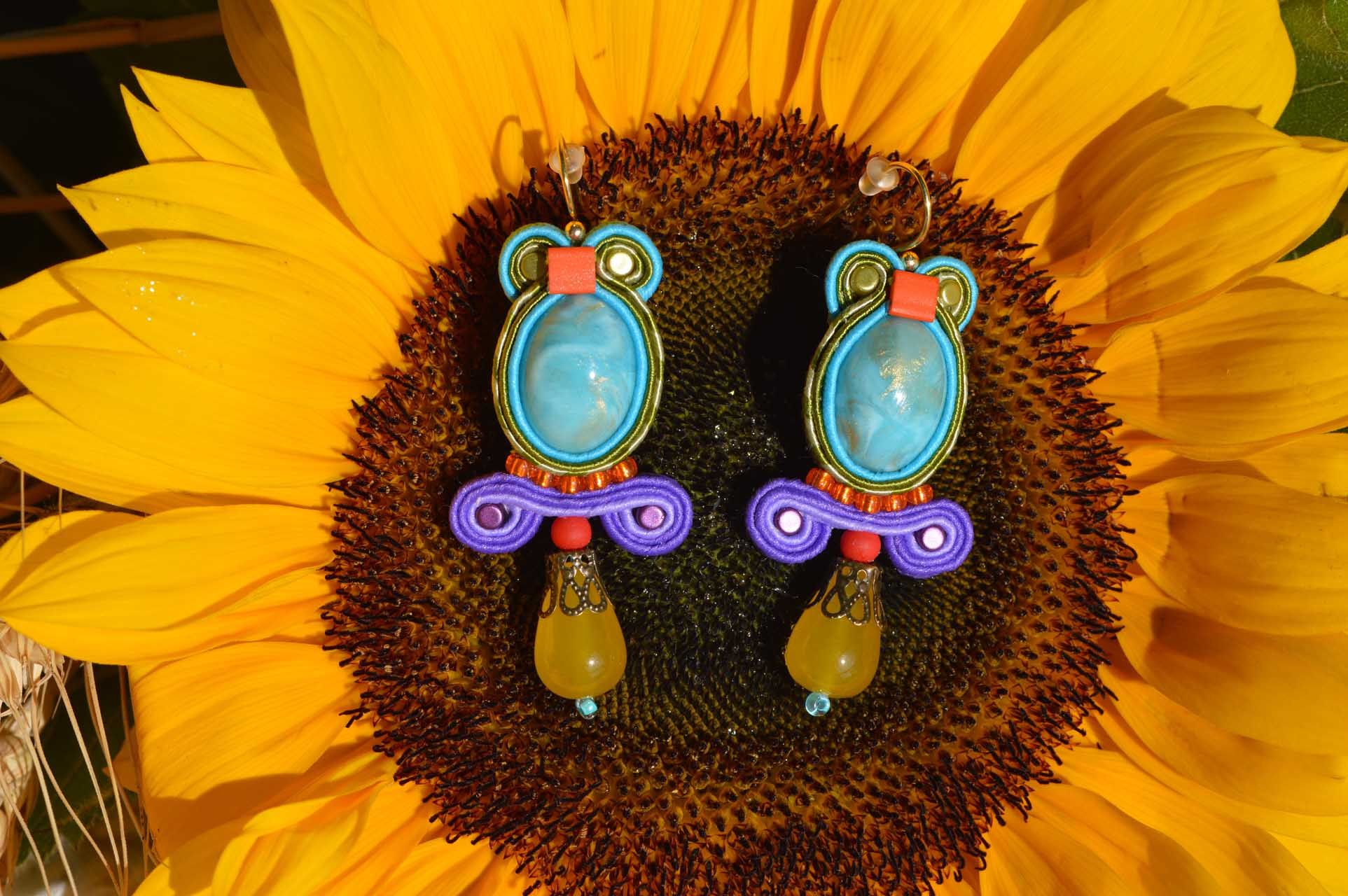 Handgemaakte oorbellen, halfedelstenen, elles elegant earrings, eee,