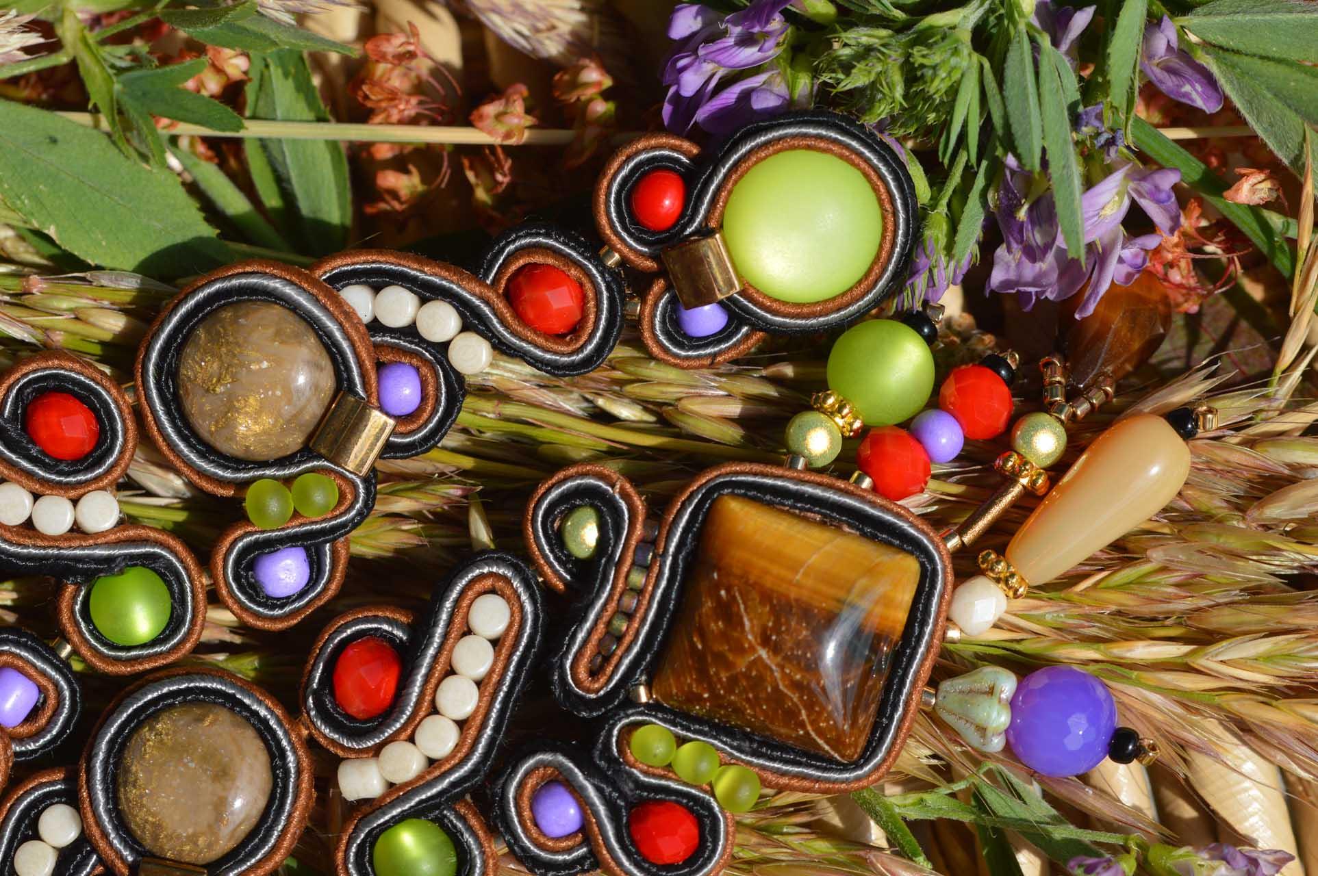 Oorbellen met kwaliteit Multi colour soutache