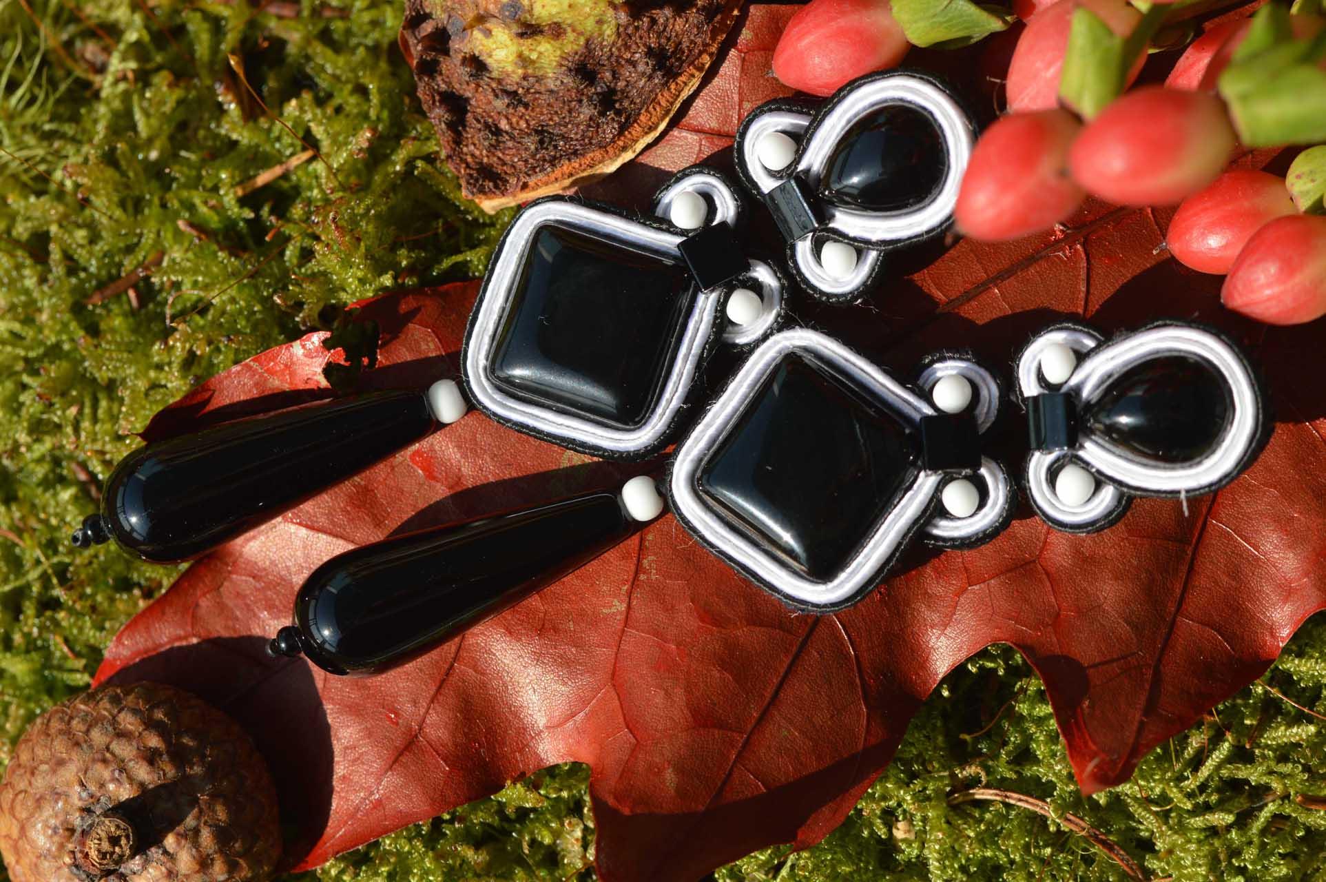Oorbellen soutache Onyx op herfstblad